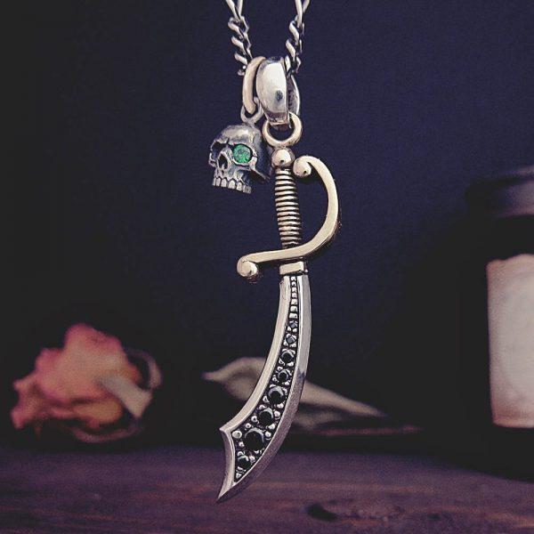 スカルと刀のネックレス
