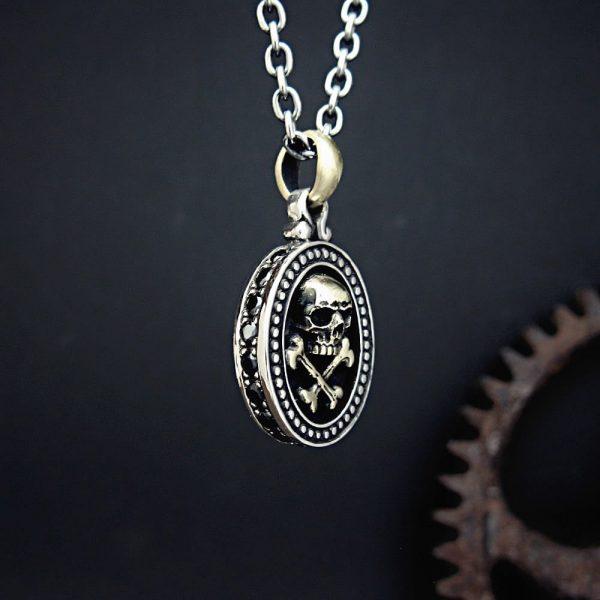 海賊のネックレス